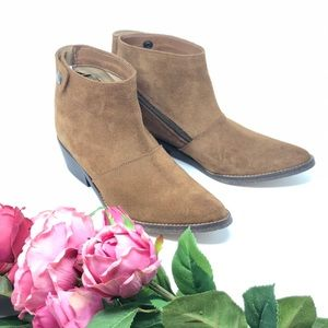 Anthropologie Gee Wawa Western Booties